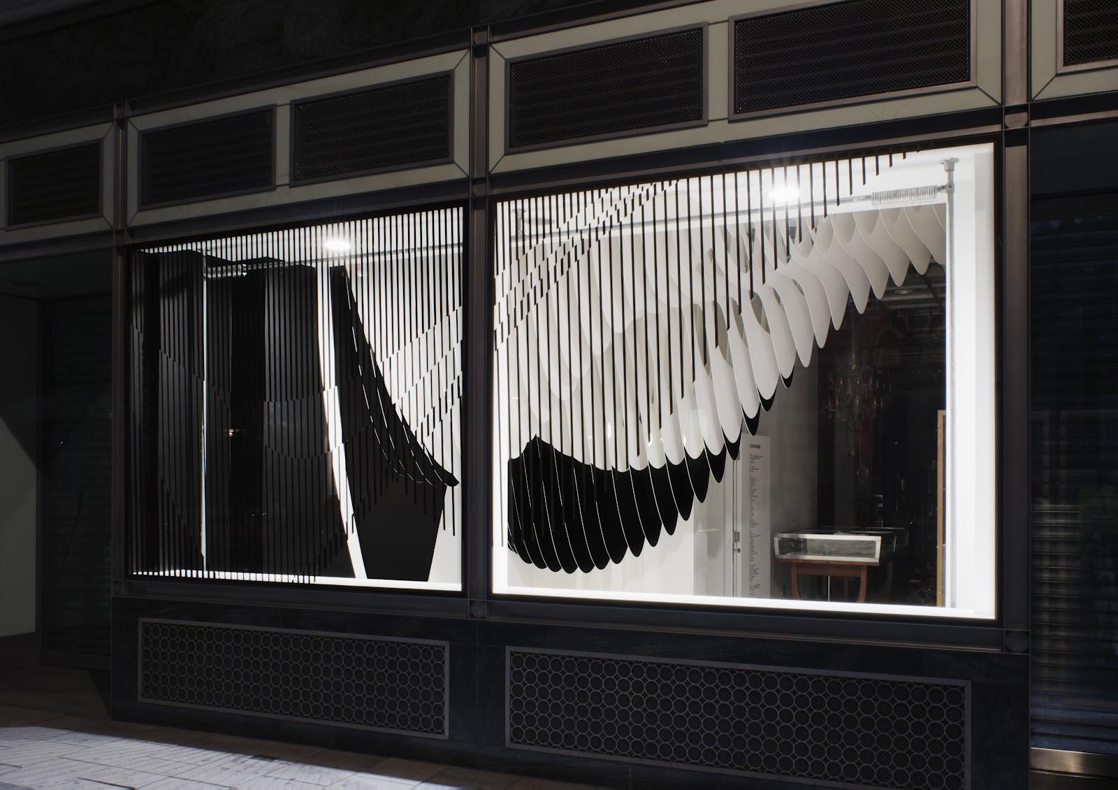 The Style Examiner Zaha Hadid S Aqua Installation For