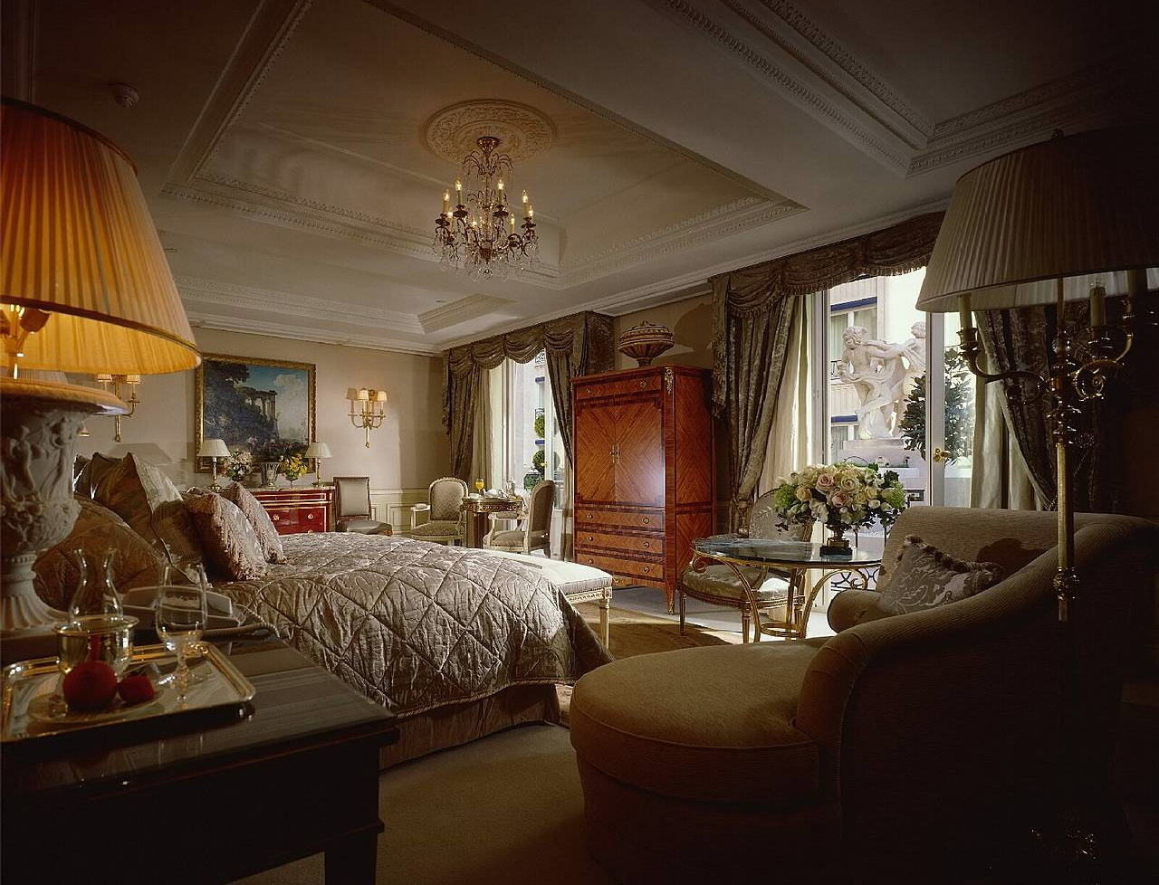 Royal Suite Four Seasons Hotel George V Paris