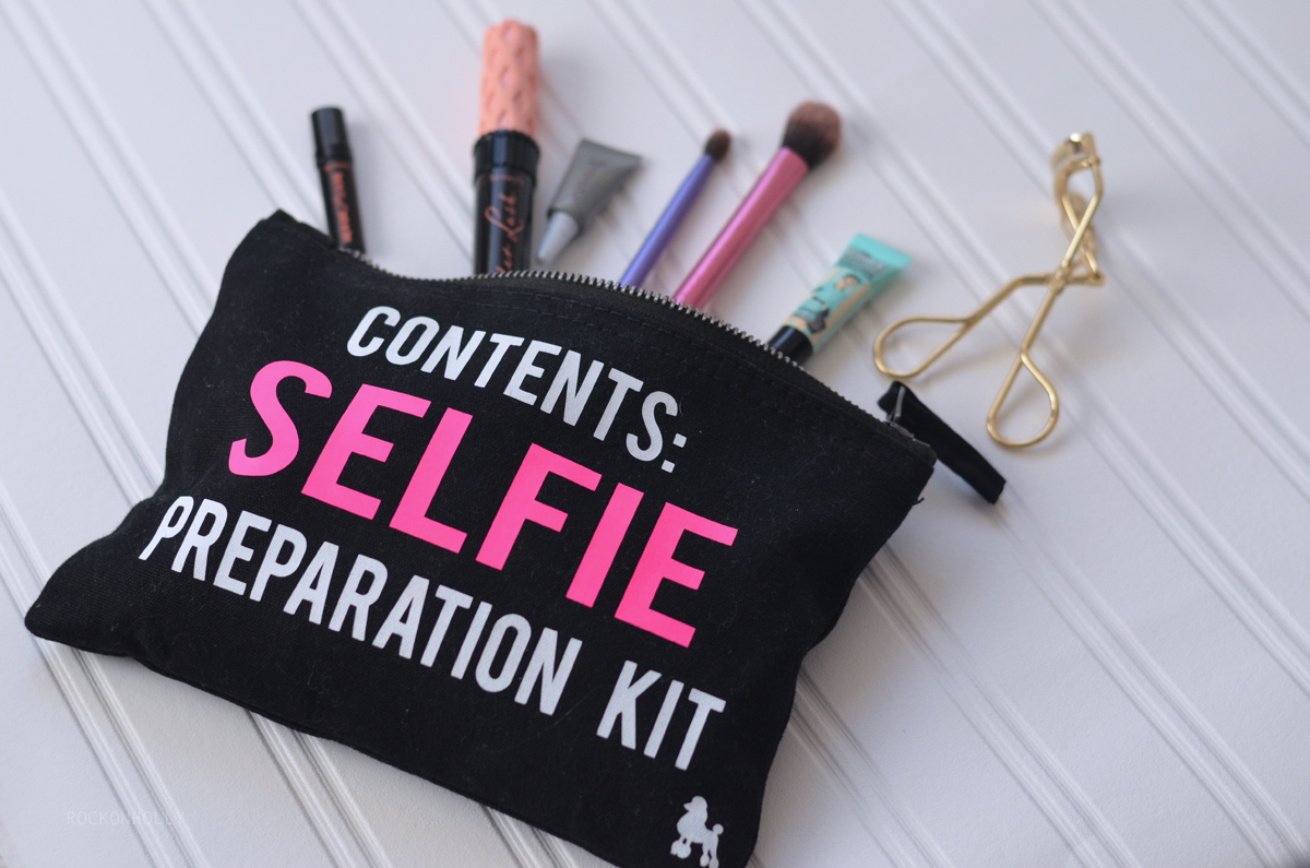 Contents: Selfie Preparation Kit Make Up Bag