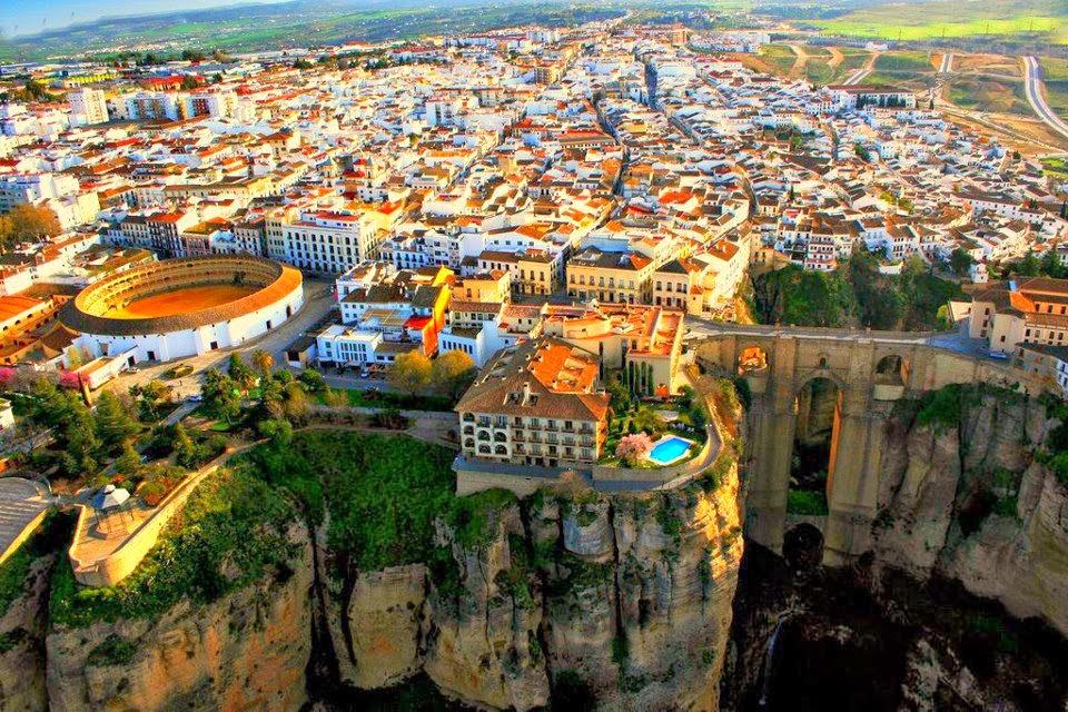 Bonita panorámica de la ciudad de Ronda