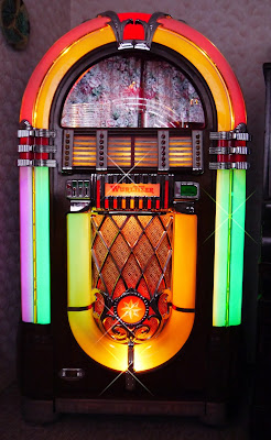 The legendary 'Wurlitzer 1015' 1946 Jukebox