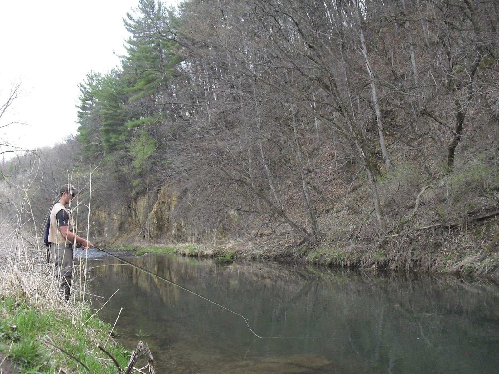 The rogue outdoors driftless march 2012 for Fly fishing iowa