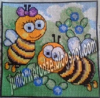 Wyszywanka krzyżykiem pszczółki