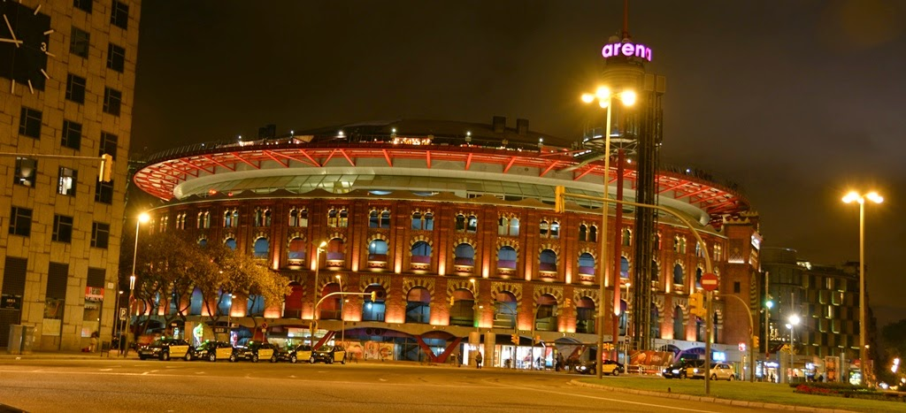 Barcelona by night Arenas
