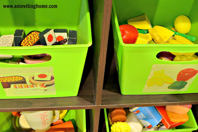 adding pictures to toy bins