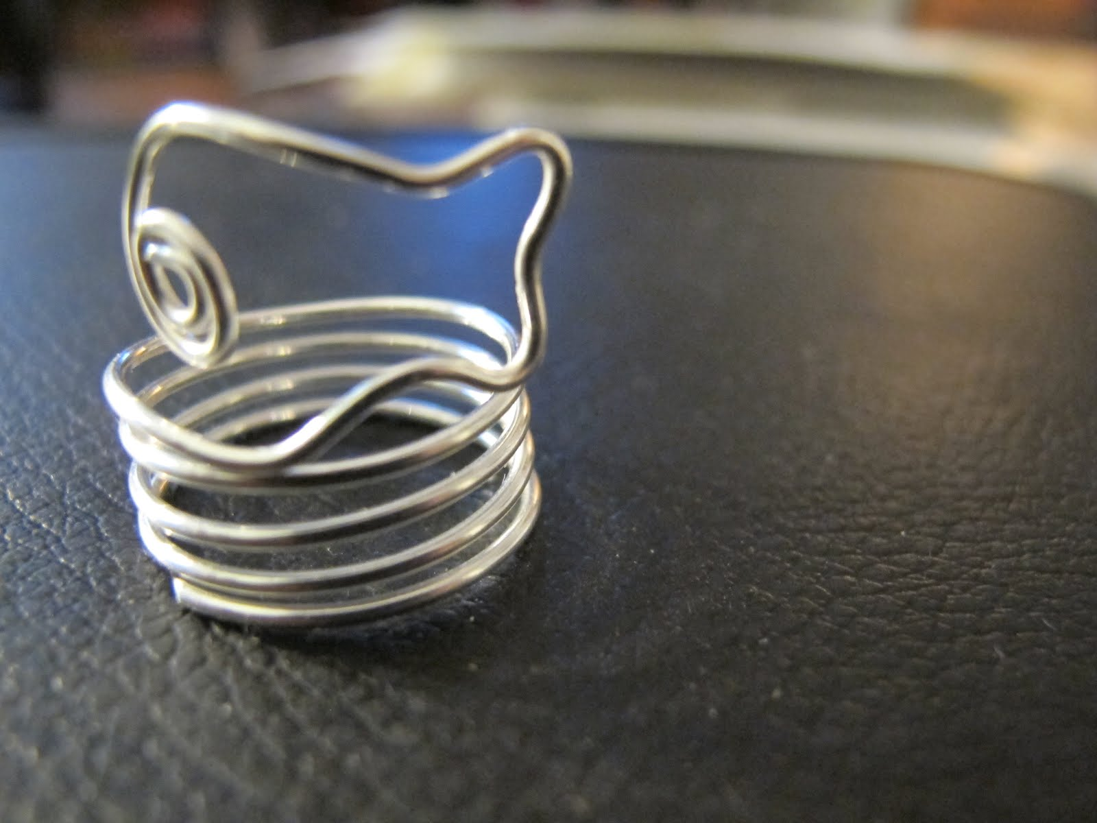 Naomi\'s Designs: Handmade Wire Jewelry: Playful Wire Wrapped Coil ...