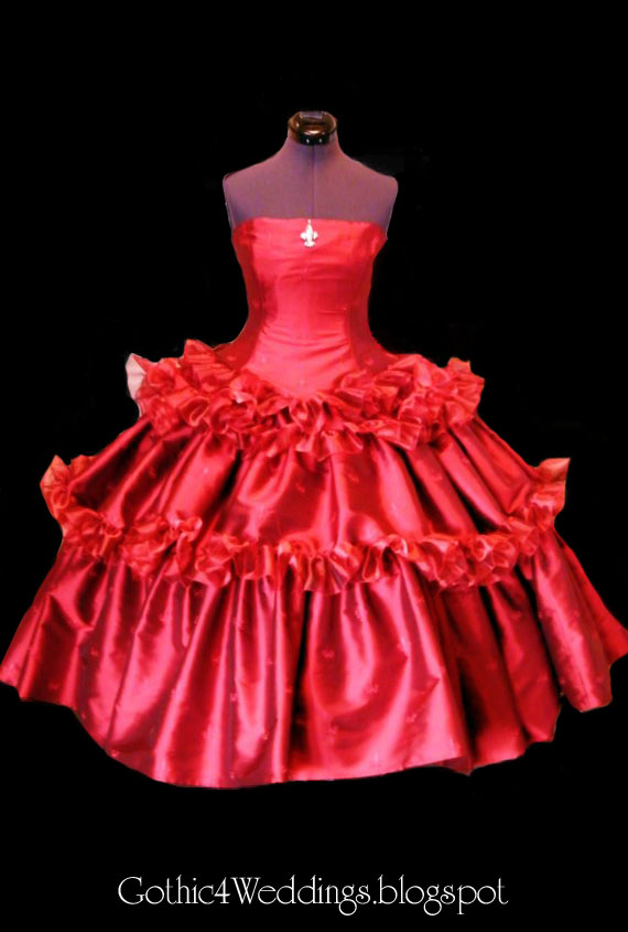 Red Silk Gothic Wedding Gowns Posted by bos untung at 0651
