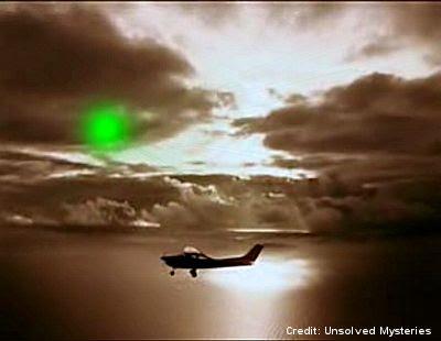 UFO Buzzing Fredrick Velantich's Plane 10-21-1978