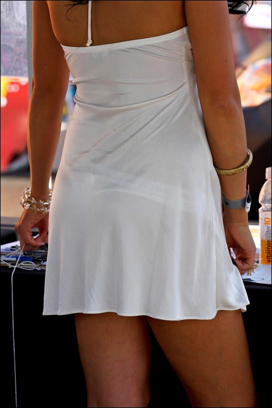 Chica linda de piernas cruzadas i - 3 2