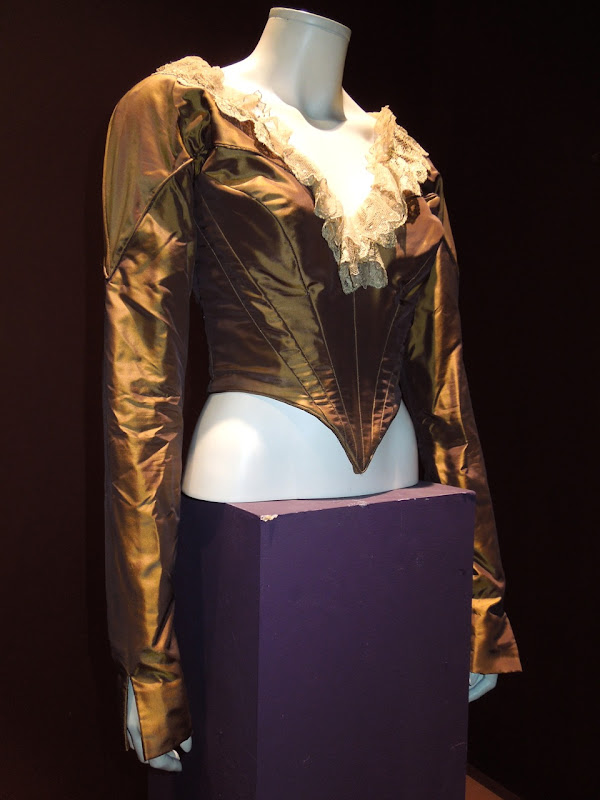 Catherine Zeta Jones bodice Legend of Zorro