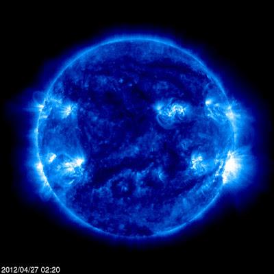 Llamarada solar clase M1.0, 27 de Abril de 2012 VIDEO