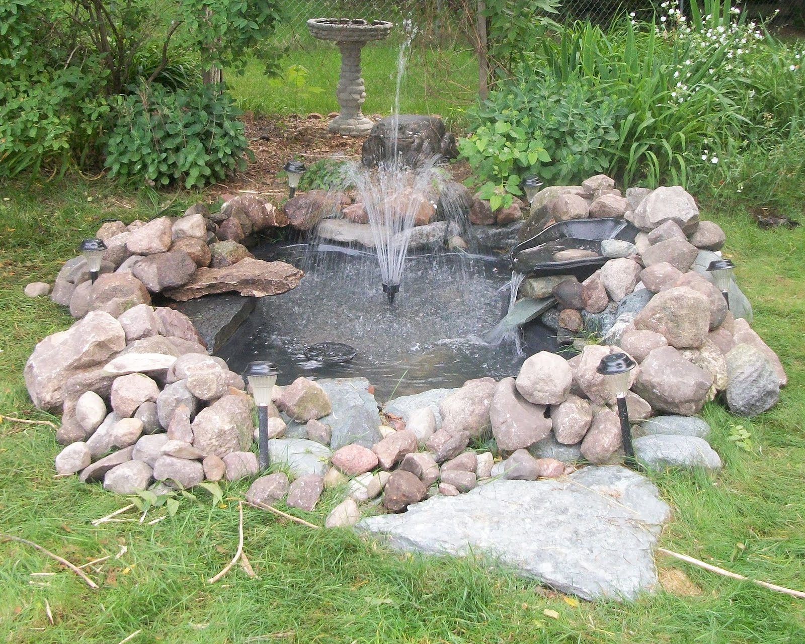 Small pond fountain car interior design for Small garden pond with fountain