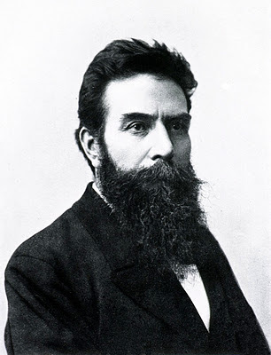Professeur Wilhem Conrad Roentgen