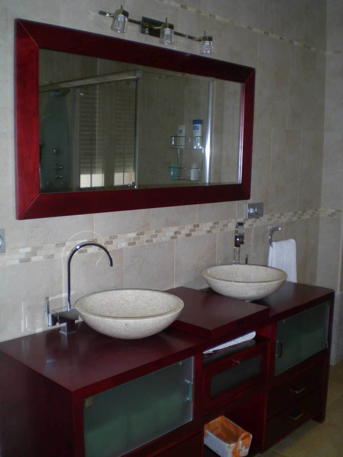 Muebles Baño Con Zocalo: de piedra perimetral y el resultado final con el mueble definitivo