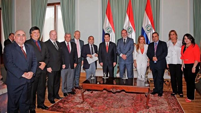 Santamaria considera muy positiva reunión de trabajo con el presidente Horacio Cartes
