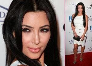 kim kardashian 2011 calendar