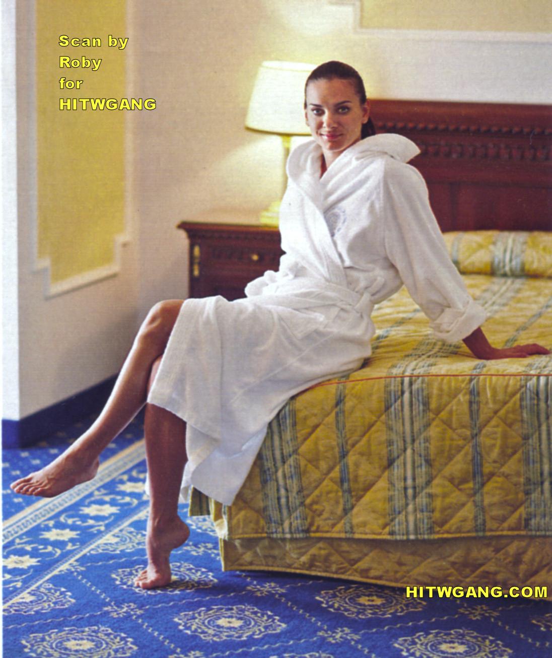 http://4.bp.blogspot.com/-c3KJorsxZuI/UCN7IJ2SepI/AAAAAAAAMAU/8vJ7p1LWeMc/s1600/Yelena+Gadzhievna+Isinbayeva+(10).jpg