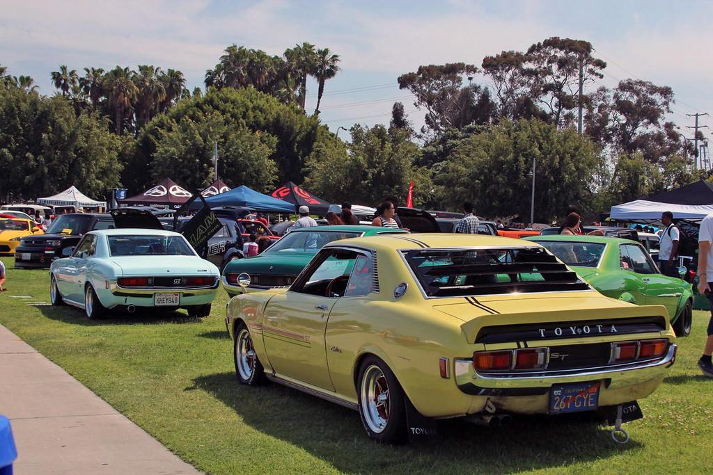 fotki japońskich samochodów, Toyota Celica, klasyk, jdm, I, szybkie, tylnonapędowe, tył, żółta, yellow, TA20, TA22, TA23, TA35, RA20, RA21, RA23, RA35, RA22, RA24