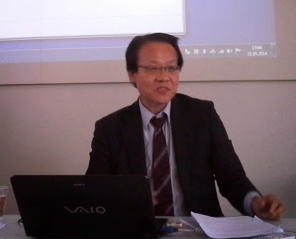 Prof. Akiro Saito during his presentation at the Buddhist Translation workshop.