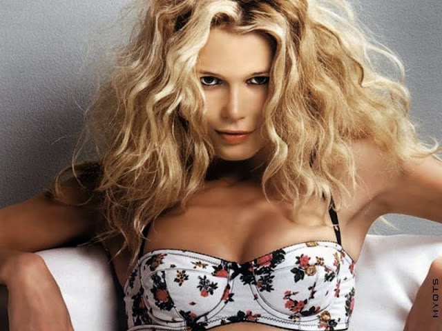 Claudia Schiffer Biography and Photos