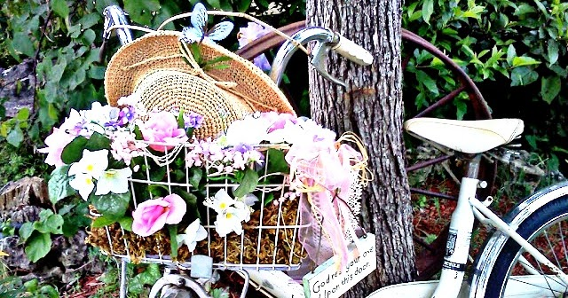 giardino shabby chic outdoor : Olivias Romantic Home: Shabby Chic Garden