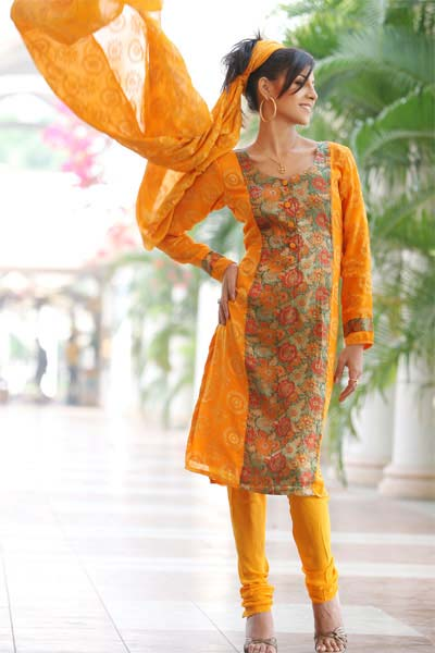 Clothes Online on Fashion For Ladies Yellow Clothes Design For Indian ...