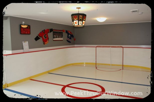 Boys Hockey Bedroom Ideas http://www.peekthruourwindow.com/2012/05/williamstown-showhomes-airdrie-alberta.html