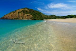 Lombok Tourism-mawun beach