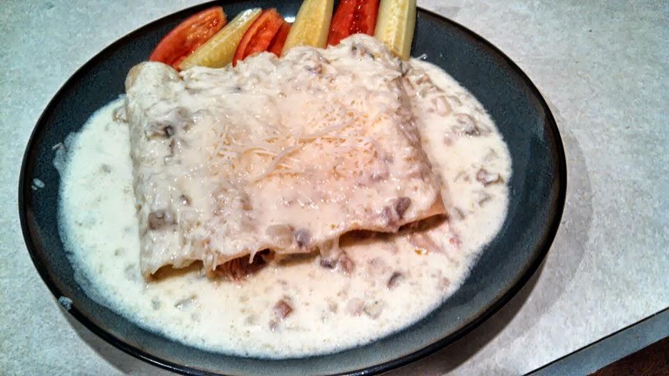 Enchiladas tipo suizas con crema de champignones y papa for Tipos de encielados