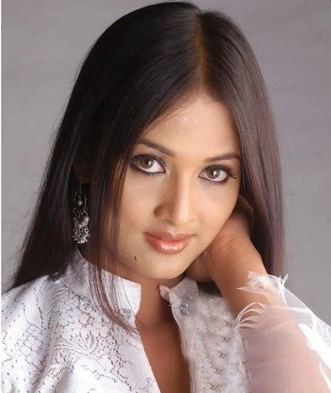Say lòng vì vẻ đẹp kỳ diệu của phụ nữ Ấn