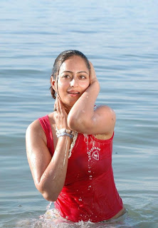 Kaveri Jha lovely Romantic stills from item song Spicy beauty