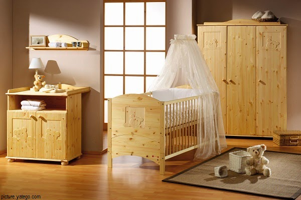 Photos déco chambre en bois pour bébé garçon