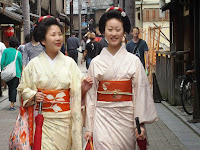 この三月、まめ春さんとまめ柳さんはお店だしをした。