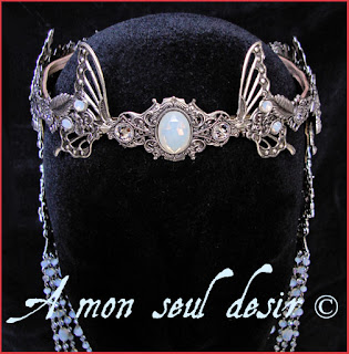 couronne mariage elfique medieval tiare diademe arwen elfe galadriel opale elf elves wedding elven renaissance fairy crown diadem tiara circlet white opale