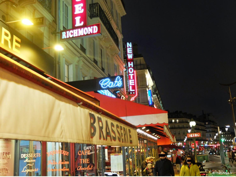 Bar Café Hôtel Néons de Gare du Nord à Paris