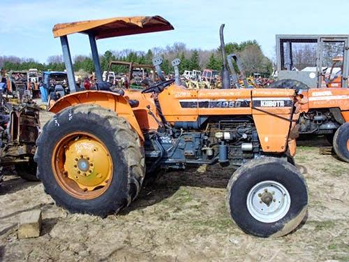 EQ-23678 Kubota M4050