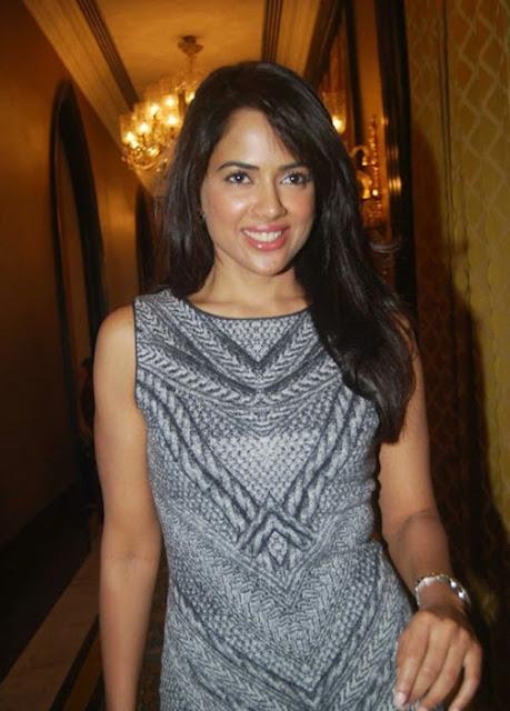 Bollywood Actress Sameera Reddy Hot Stills