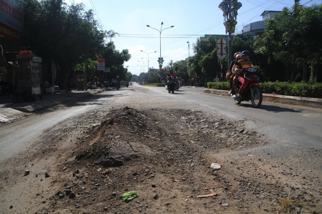Gia Lai: Quốc lộ 25 chỗ xuống rãnh, chỗ vồng trâu