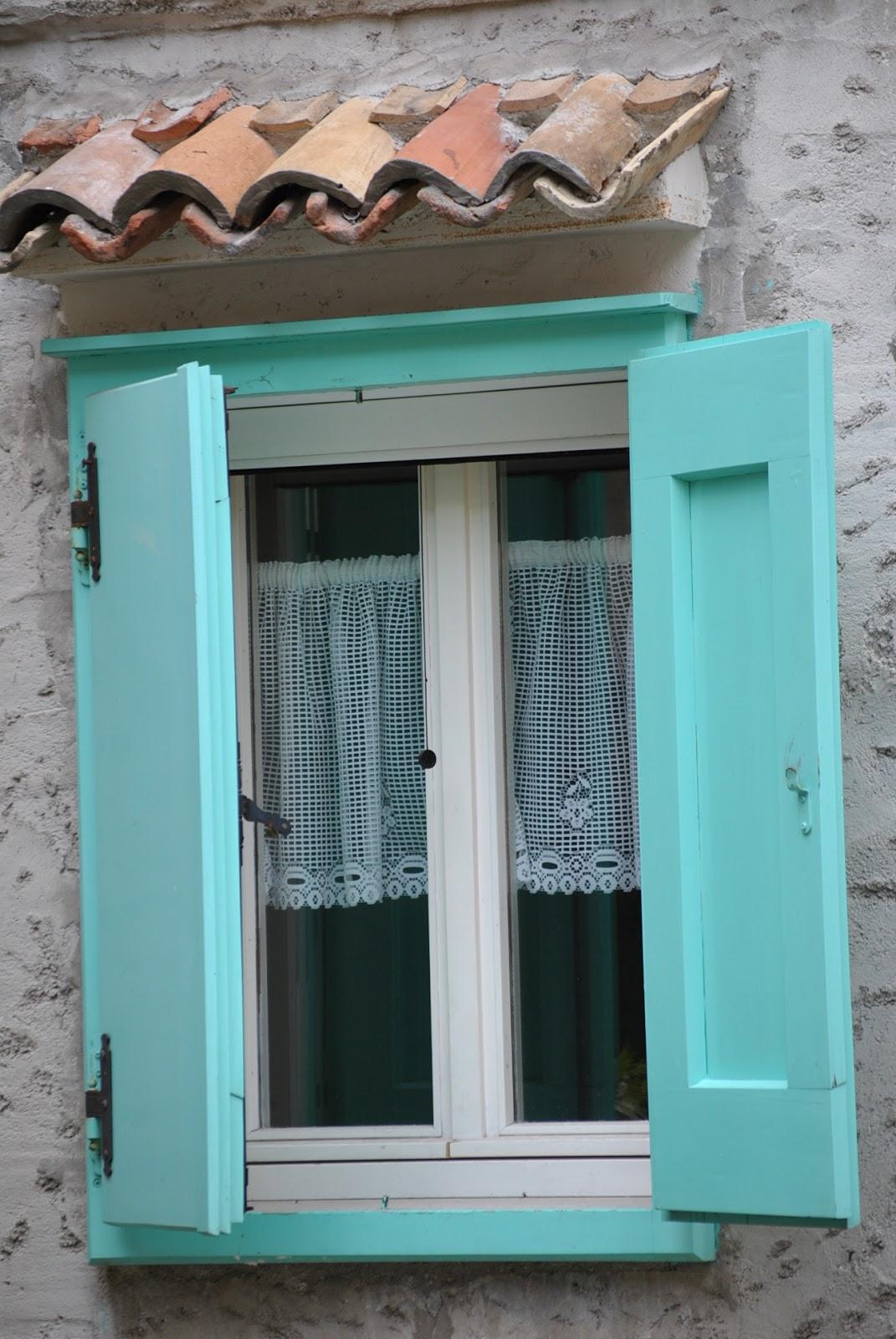 Il pettirosso e l 39 ovetto blu di tamlov da una finestra - Rima con finestra ...