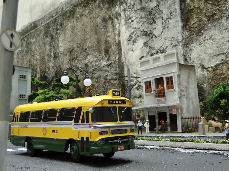 Miniaturas do ônibus Cermava