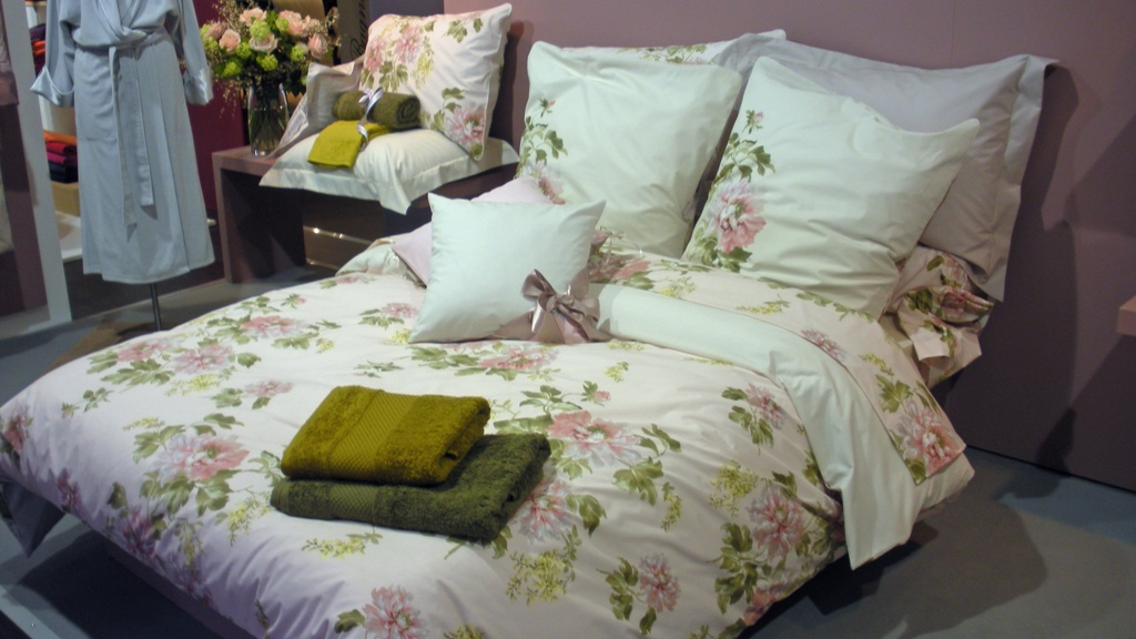 beadboard upcountry anne de solene sonia rykiel spring linens fabulous. Black Bedroom Furniture Sets. Home Design Ideas