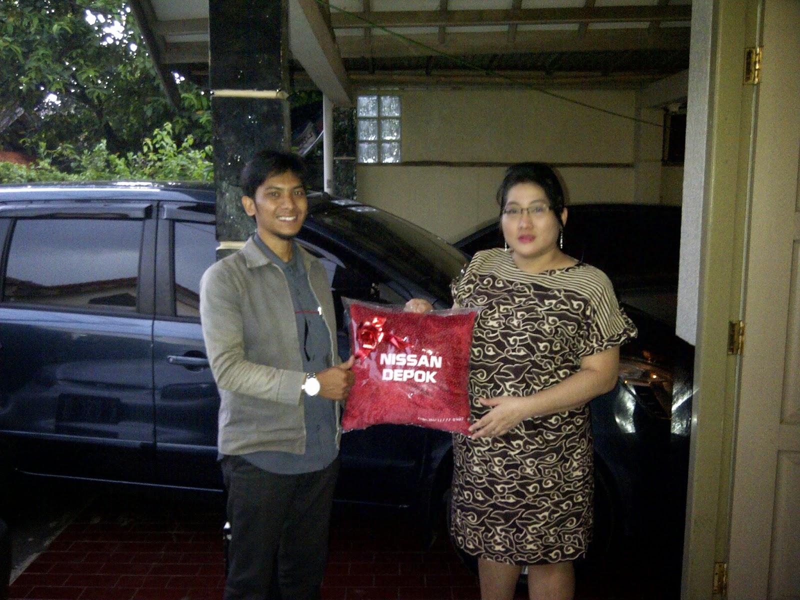 Terimakasih atas kepercayaan Bu Christina yang telah membeli Grand Livina melalui media www.touchnissan.com.  Semoga Berkah ya Bu...