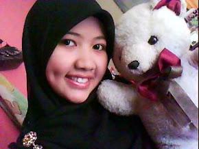 teddy bear pertama dalam hidup KiKi.. Ade lagi sampai sekarang taw..