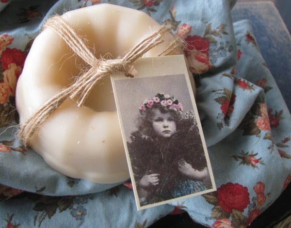 detalle para decorar y regalar jabones artesanales -envoltorio con foto
