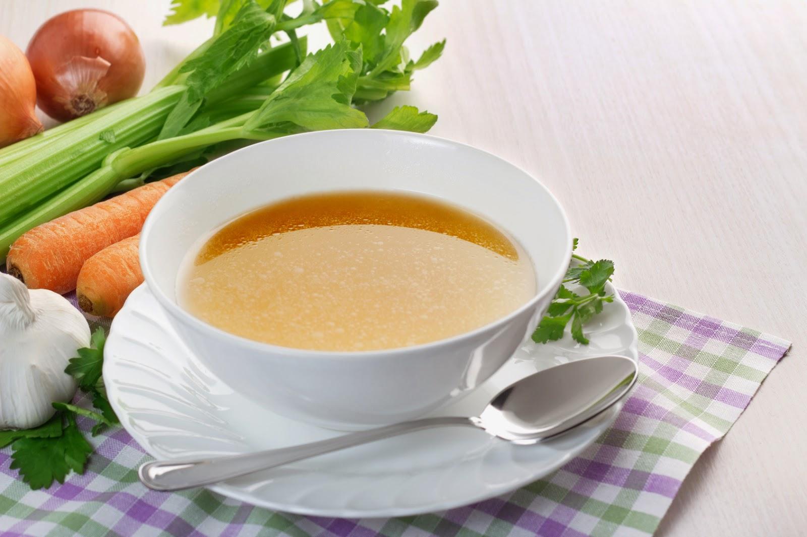 Recetas para Adelgazar: Consomé de pollo y verduras
