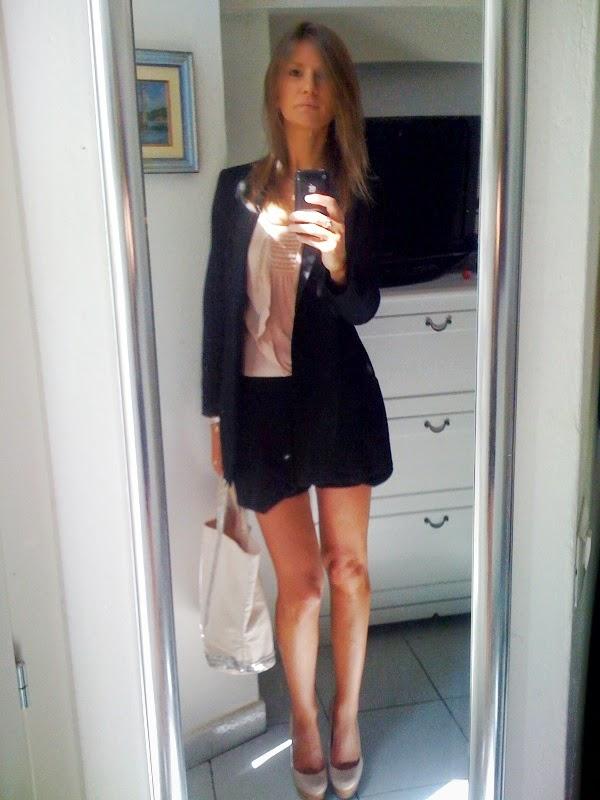 Freedress - Ragazza davanti allo specchio ...