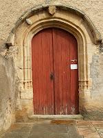 Portalada de la façana sud de Sant Julià d'Altura