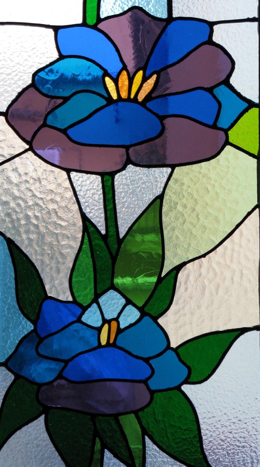 Laboratorio di vetrata e mosaico vetrate per finestra for Disegni vetrate