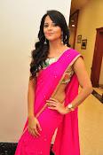 Anasuya dazzling saree photos-thumbnail-4