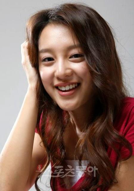 Kim Ji Won fot